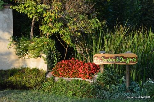 male ancienne,septembre jardin,couronne,bouquet 101.JPG