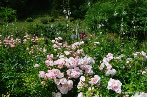 tour jardin de mai ,les épouvantails,préparation 119.JPG