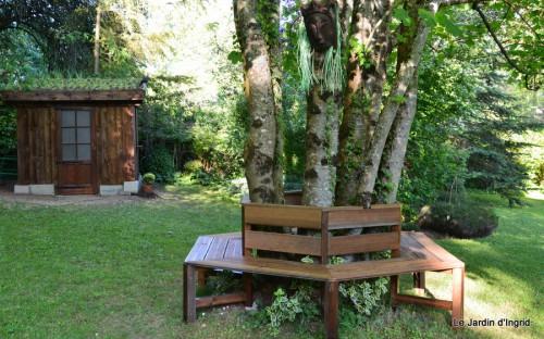 cabane,roses,pavot,colline,Claudine,Abbaye Nouvelle,photos moi 004.JPG
