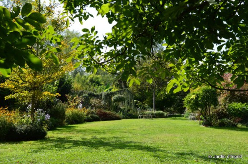 jardin automne,mariage Estor,barrage Bergerac 038.JPG