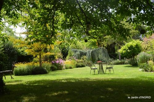 Meyrals,le Bugue,jardin 071.JPG