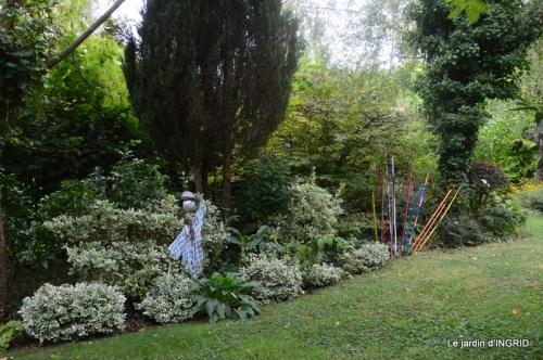 les Métallies,jardin ,visiteurs 125-001.JPG