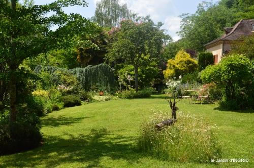 tour jardin de mai ,les épouvantails,préparation 105.JPG