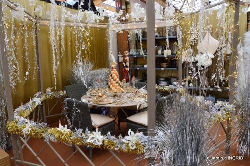 brume,dentelles,fleurs,Noel Jardiland 088.JPG