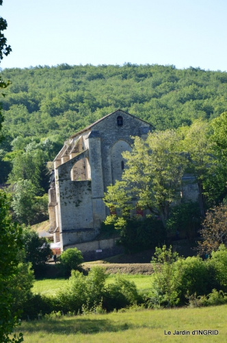 cabane,roses,pavot,colline,Claudine,Abbaye Nouvelle,photos moi 108.JPG