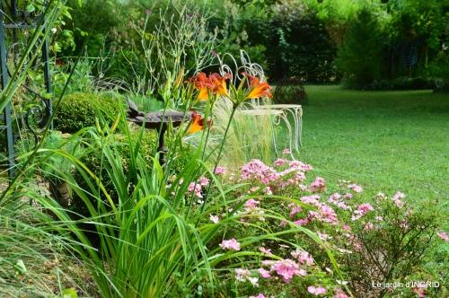 velos,pluie,belles vivaces,taille rosiers 026.JPG