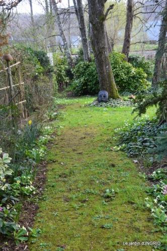 canal,jardin,dentelles 080.JPG