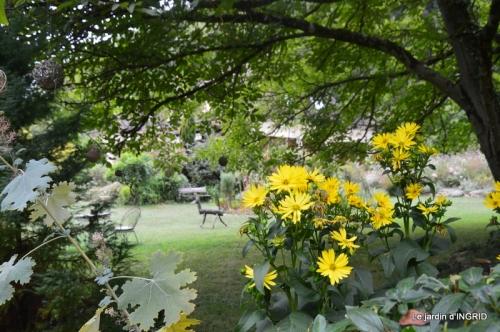 les Métallies,jardin ,visiteurs 117-001.JPG