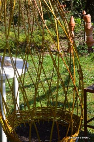 l'osier,stuctures,fleurettes printemps 070.JPG