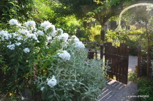 les Métallies,jardin ,visiteurs 068.JPG