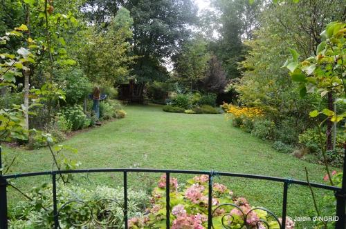 jardin,papillons,anniversaire d'Ines,bricolage 062.JPG