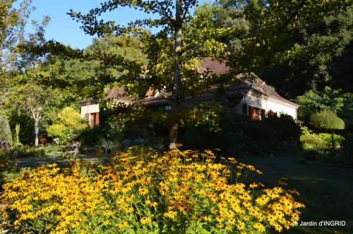 Belves puces,jardin,cygnes,bouquet blanc,arrosage 068.JPG