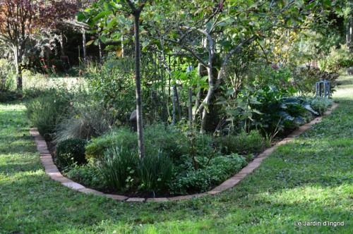 jardin octobre 093.JPG