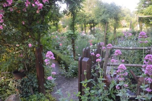 Trémolat,petit jardin,Julie 056.JPG