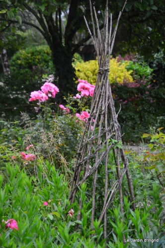 en juin jardin 084.JPG