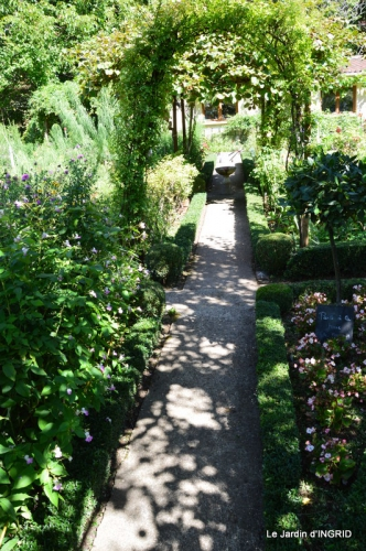 confiture,bouquet,petit jardin 014.JPG