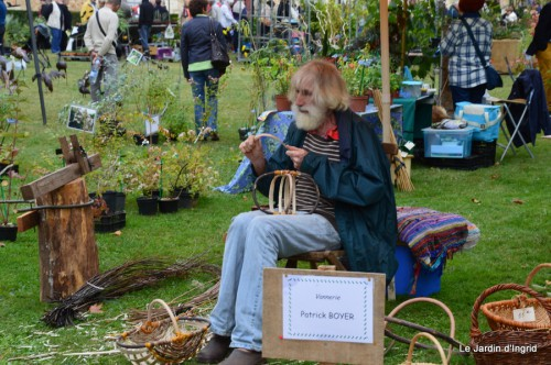 jardin,St Avit Seigneur brocante,Neuvic fête des plantes 115.JPG
