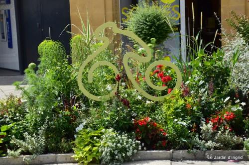 décos vélos Bergerac,Mne Peyrichou,tournesols,passerelle Lalinde 067.JPG