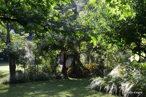 en juin jardin 160.JPG