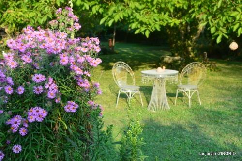 male ancienne,septembre jardin,couronne,bouquet 068.JPG