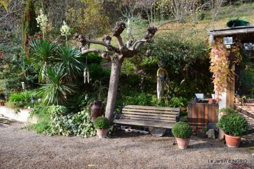 Romefort,bord de Creuse,vent,feuilles,jardin,canal 138.JPG