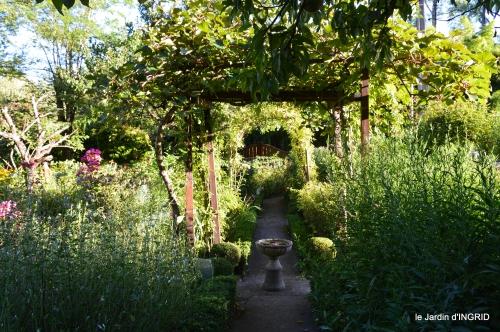 jardin,arrosage,pourpre,bouquet 041.JPG