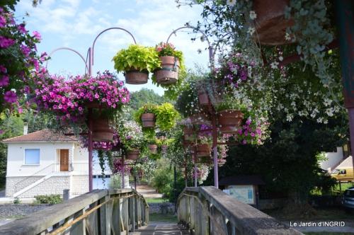 jardin,les filles,gerbera,Lalinde 136.JPG