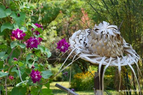 pigeons,jardin,anniversaire Ines,cygnes 111.JPG