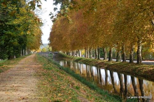canal automne ,jardin,Ines 111.JPG