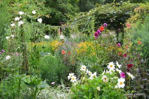 les Métallies,jardin ,visiteurs 133.JPG