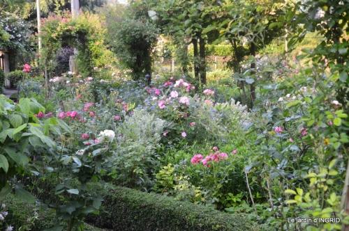 Trémolat,petit jardin,Julie 058.JPG
