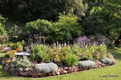 jardin,puces Eymet 064.JPG