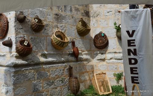 dahlias,jardin,puces st Avit Seigneur,Paniers Issigeac,Romane 183.JPG