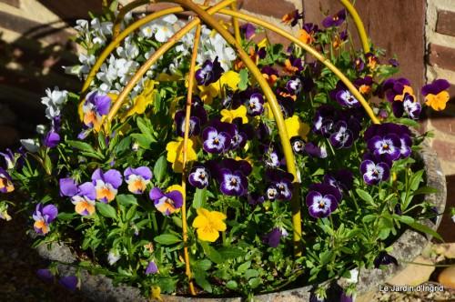 mésanges,escargots,ros. de banks,abeilles,Monpazier,Banes,Forêt 104.JPG