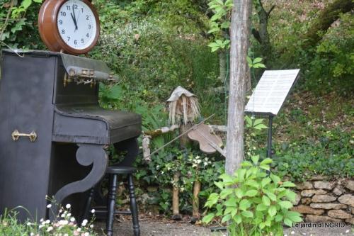 jardin en mai,visites bus,petit jardin 252.JPG