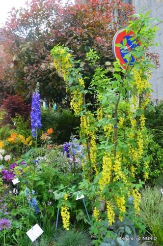 Colombier,Cadouin,jardin,roses,pluie 071.JPG