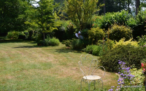 robe Julie,jardin,le flambé,lantanas,dahlias 014.JPG