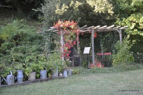 male ancienne,septembre jardin,couronne,bouquet 157.JPG