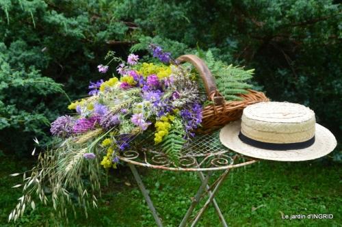 bouquet champêtre,jardin,hémérocalles,nénuphards 051.jpg