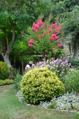la Couze,les filles,jardin,bambous peints 078.JPG