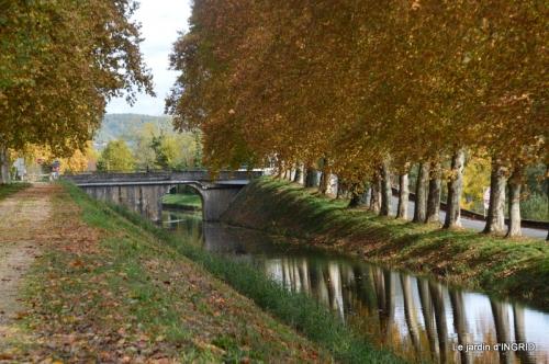 canal automne ,jardin,Ines 113.JPG