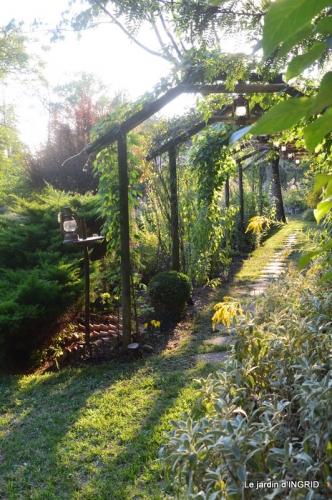 male ancienne,septembre jardin,couronne,bouquet 076.JPG