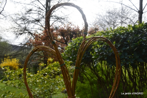 l'osier,stuctures,fleurettes printemps 024.JPG