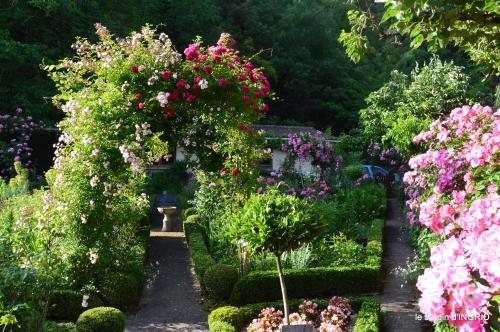 tour jardin de mai ,les épouvantails,préparation 071.JPG