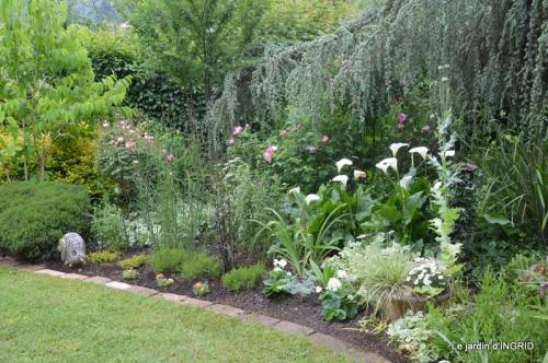 jardin en mai,visites bus,petit jardin 244.JPG