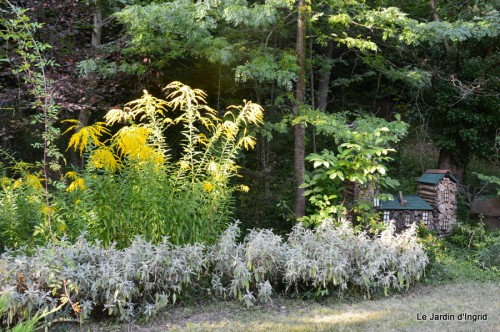 Lalinde passerelle,bouquet,jardin septembre 033.JPG
