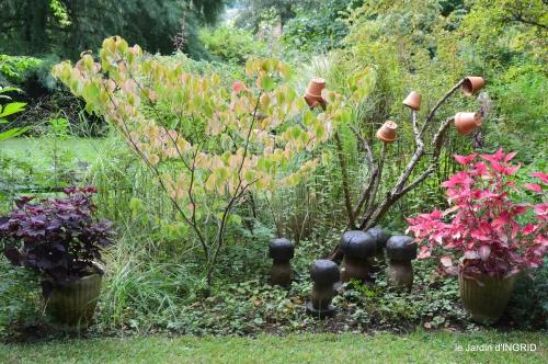 jardin en septembre,les cygnes 137.JPG