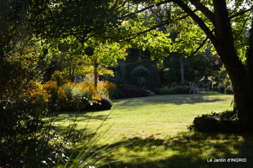 Lalinde passerelle,bouquet,jardin septembre 038.JPG