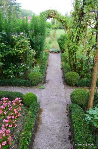 tournesols,pt jardin,nénuphard,libellules,lavande bouquet,carava 036.JPG