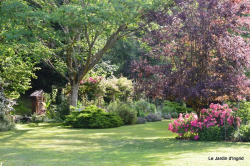 jardin,puces Eymet 065.JPG